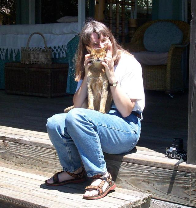 22 - Jean with Kitty - 2002